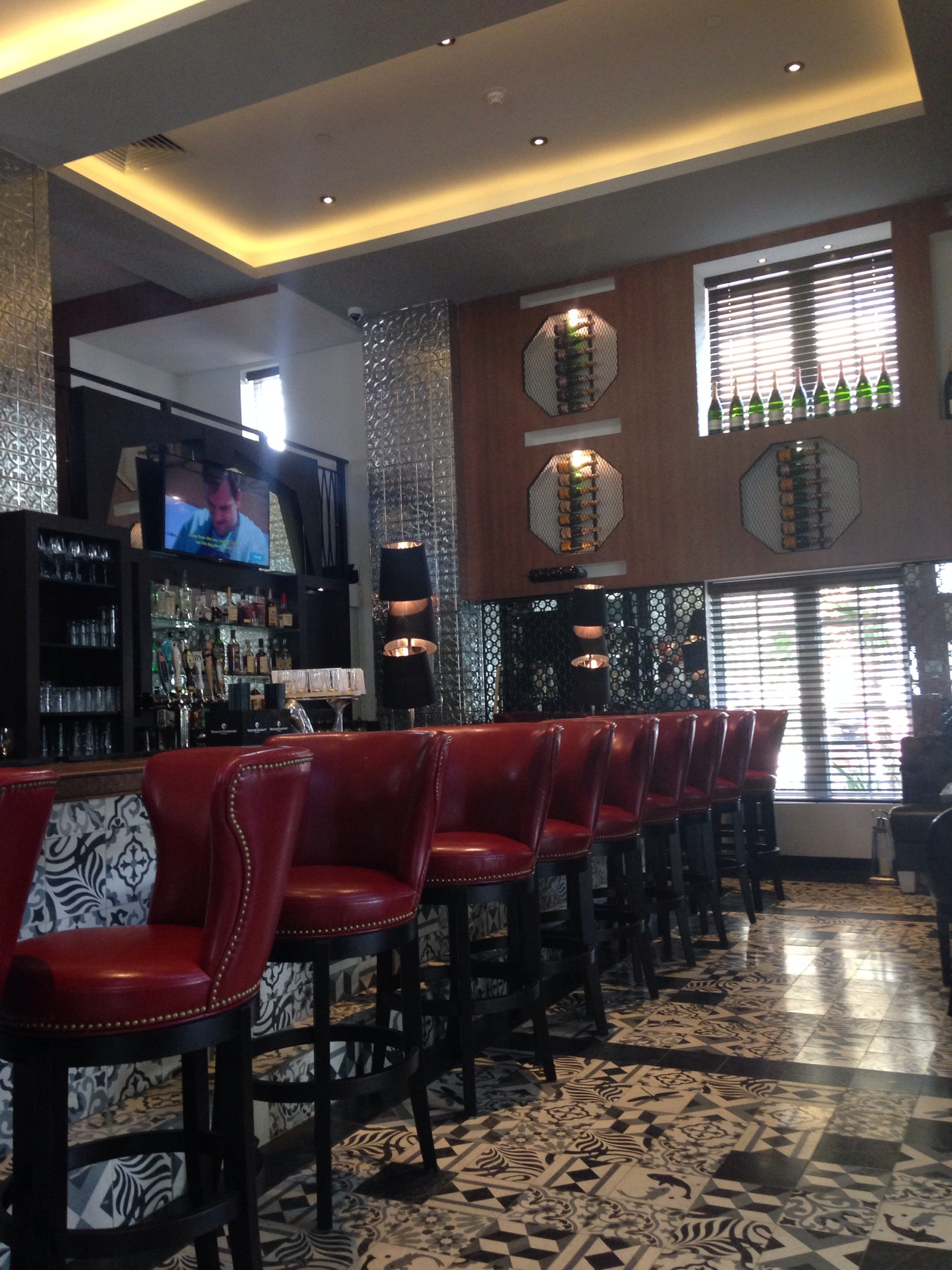 The Tavern Bar Hotel Review A Slice Of Luxury At Croydon Miami Beach